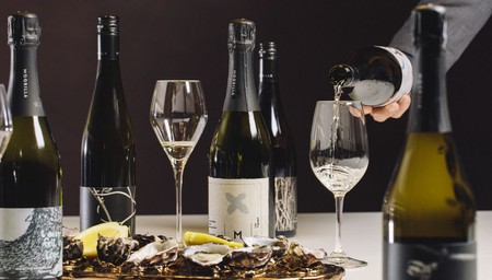 Tasmanian Wine and Oysters